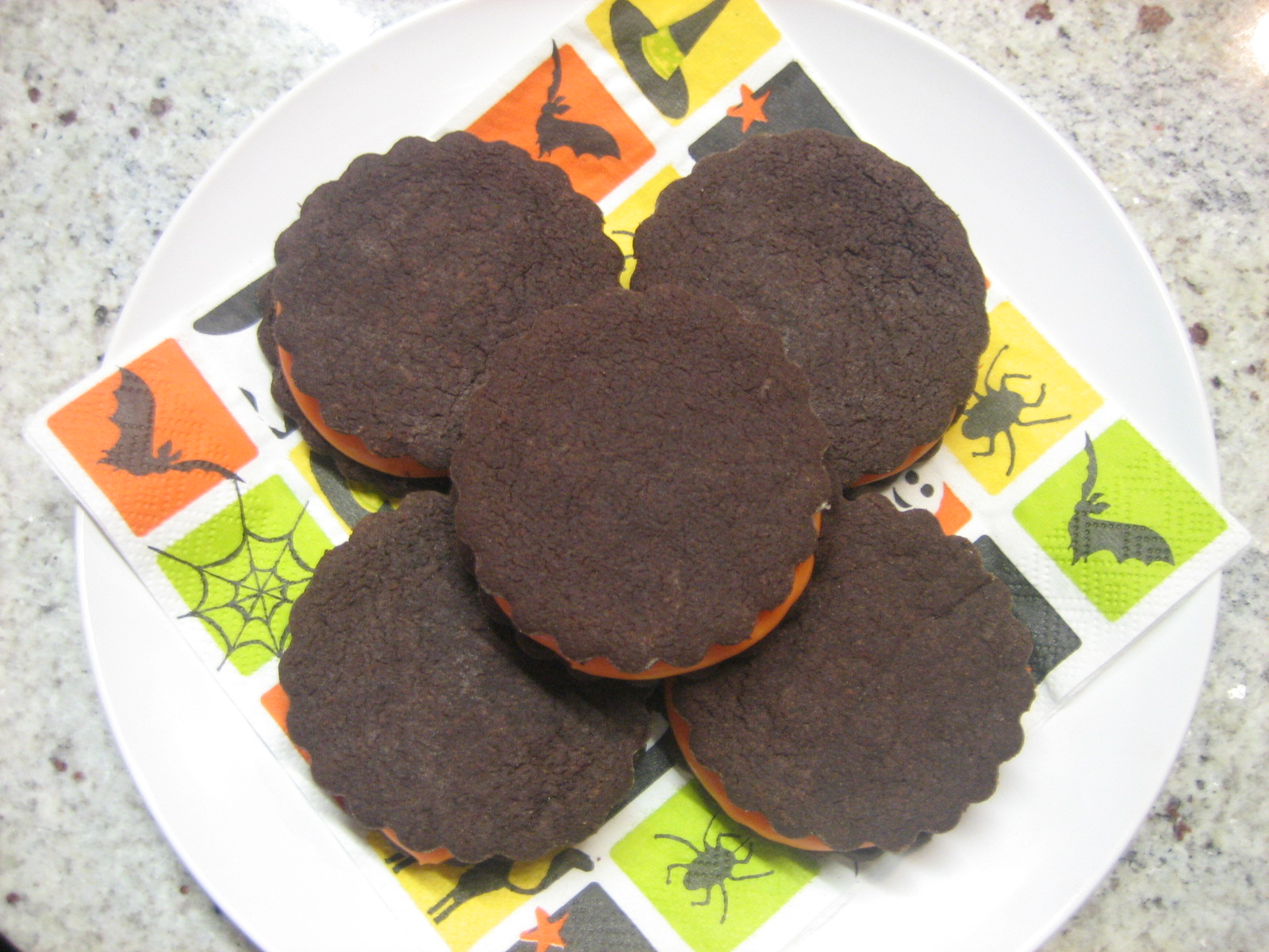 Chocolate Espresso Sandwich Cookies with White Chocolate Filling ...