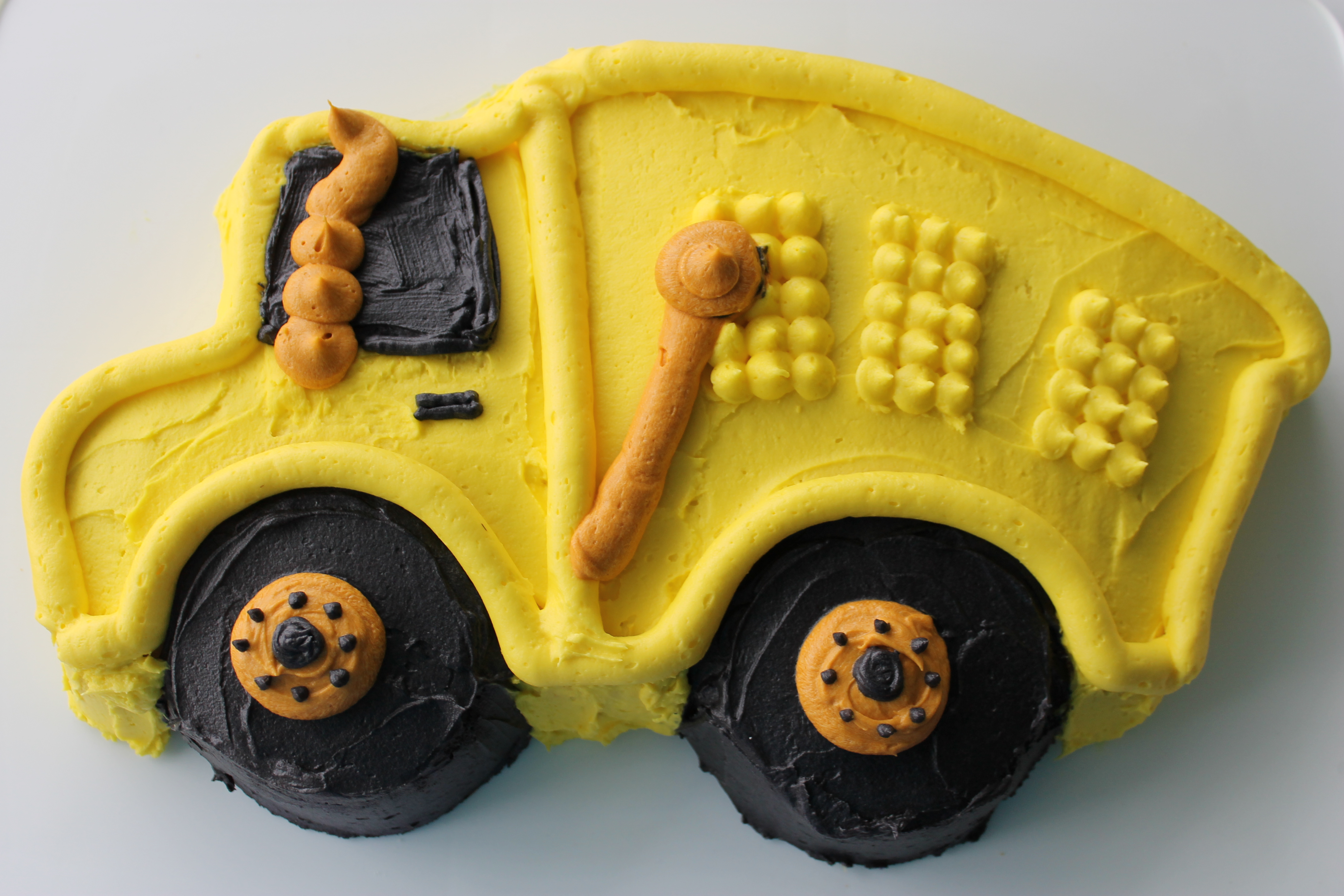 Dumptruck Birthday Cake Whats Cooking On Planet Byn